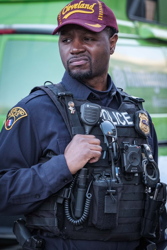 Drew Scofield WEWS-TV    @DrewScofield01   5h5 hours ago Cleveland's mood right now about the @Cavs losing Game 3. @WEWS @CLEpolice